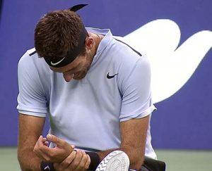 teniszező fájó csuklóval